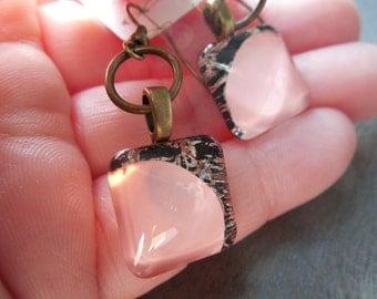 Pink earrings, quartz pink earrings, handpainted earrings, glass earrings, romantic earrings, old pink earrings, antic pink, light pink