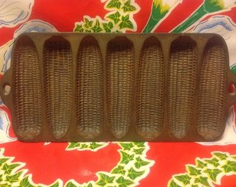 Vintage Wagner Ware cast iron cornbread muffin pan- Made in USA