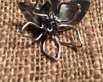 Silver 925 (Wired Flower) Brooch