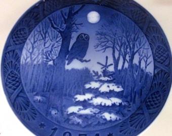 ROYAL COPENHAGEN OWL Christmas Plate vintage 1974