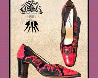 "VINTAGE 1980's/80's ""MARGARET JERROLD"": Women 6.5/7 Narrow (N) Red Snake Skin Snakeskin Leather Sheer Black Mesh High Heel Pumps Heels Shoes"