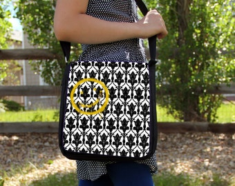 "SHERLOCK  ""Bored! Smiley"" Large Messenger / Shoulder Bag"