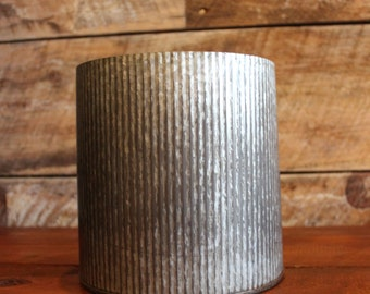 """7"""" x 7 """" Tin Container"""