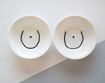 Ceramic sauce dish set in body design