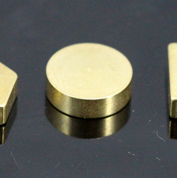 "20 pcs raw brass stamping round 10 x 10 x 3 mm 3/8"" x 3/8"" x 1/8""  finding cylinder rod industrial design"
