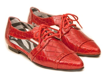 Red oxford shoes, Red leather flats, Pointy flats womens shoes, Red flat shoes, Leather shoes, Red shoes, Cut out shoes, Lace up women shoes