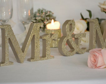 Wedding sign Mr & Mrs, Wedding Decor, Champagne Sign Mr Mrs,