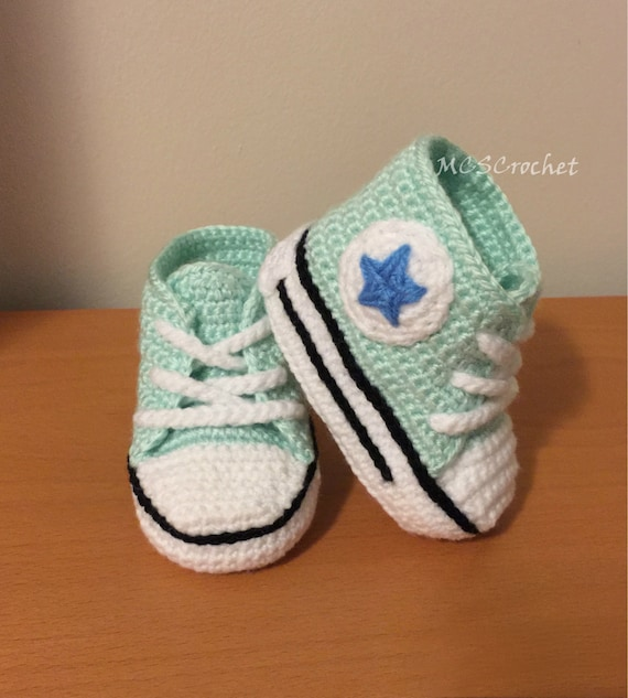 Baby Converse handmade baby shoes all stars baby by MCSCrochet