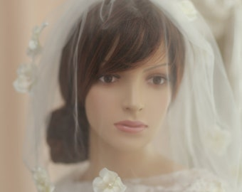 Blusher bridal veil with handmade  Petals   flowers blusher veil----v626