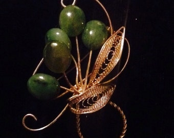 Vintage Jade and Goldtone Brooch