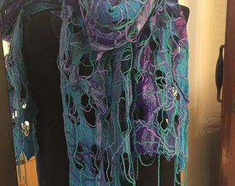 Wet felted scarf with merino wool.