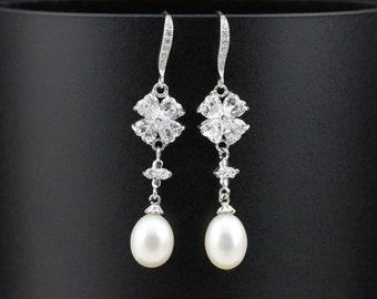 Bridal pearl earings,shining crystal flower earrings,wedding pearl earrings,bride pearl earrings,bridesmaid pearl earrings,wedding jewelry