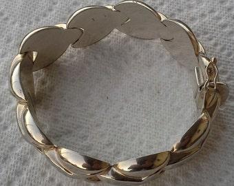 Vintage 1970s silver hearts links italian bracelet very shiny