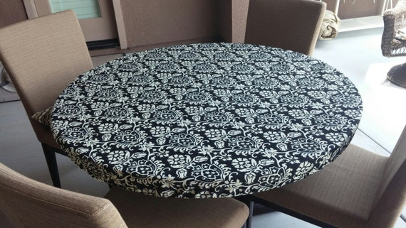 Round Elasticized Fitted Tablecloth In Black And Cream Outdoor