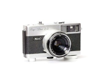 Vintage Ricoh Super Shot 2.4 Camera