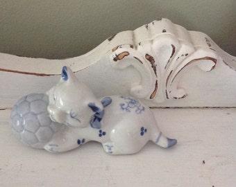 Blue Delft Cat Figurine, Excellent Condition, Vintage
