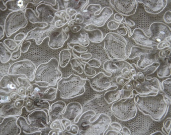 """1006 Sold by 1/2 yard Ivory corded beaded french Bridal Lace Fabric57"""" Scalloped free delivery uk"""