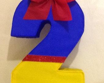 Number 2 pinata snow white. Snow white pinata. Snow white birthday Party.