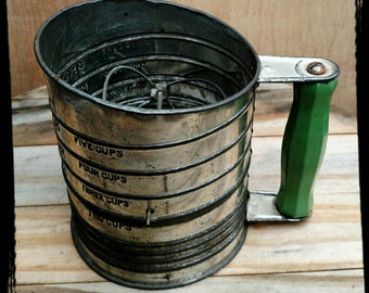 Vintage Kitchen Bromwell's 5 Cup Sifter / Hand Crank Flour Sifter / Large Flour Sifter / Collectible Kitchen Gadget / Kitchen Decor / F942