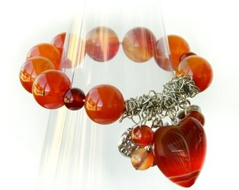 Charming Agate and Carnelian Stretch Bracelet.