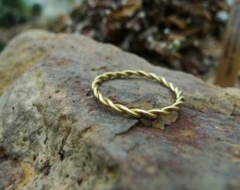 Twisting Ring