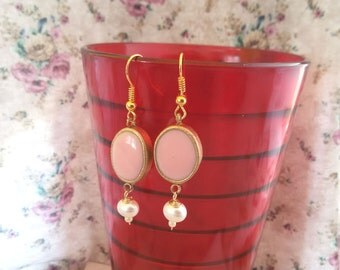 Pink dangle earrings. pink and gold earrings. oval earrings. pearl earrings. bridemaid earrings