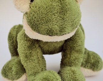 FROGI is a HANDSEWN plush frog :)