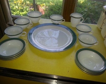 Vintage 1950s Set of 14 Pieces of Regency Green Pyrex Tableware Dishes!