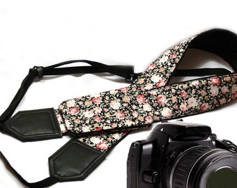 Flowers Camera strap with pocket.  Tiny roses camera strap.  Black DSLR/SLR Camera Strap. Fashion accessories by InTePro
