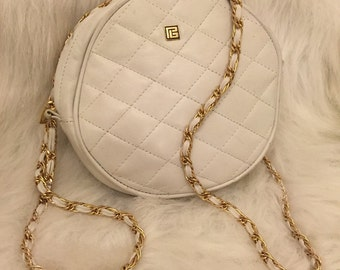 Vintage pierre Balmain white purse with gold chain strap