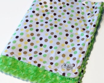 Double covering doudou soft minky reversible cayalou baby boy Brown and green peas