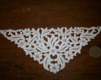 Pure cotton 1920s antique lace applique triangle