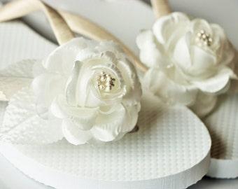 BRIDAL Flip Flops, WEDDING Flip Flops, wedding sandals,Bridesmaid Flip Flops, Bridesmaid Gifts, Bridal Party Gift,Beach wedding