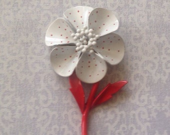 Vintage 1960s white with red dots enamel frower brooch