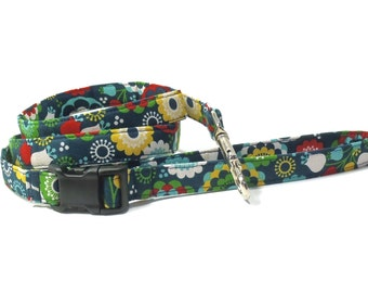 Dog Leash - Retro Daze Easy Attach Leash - 4' Fabric Dog Leash, Retro Blue Daisy Leash