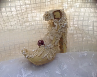 Vintage shoe pin cushion