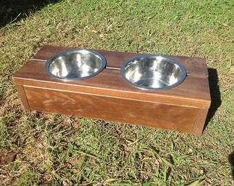 Raised pet bowls