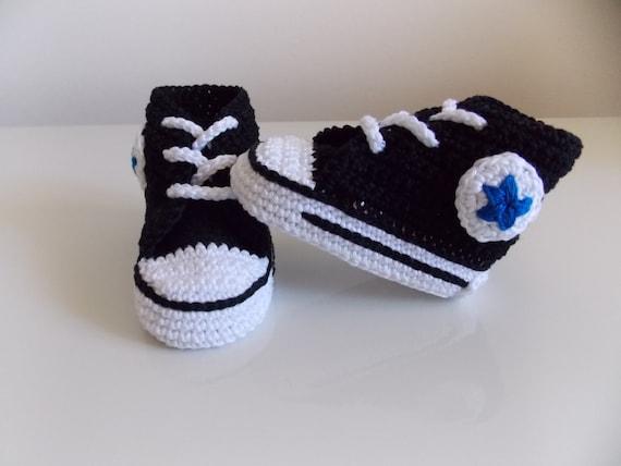 78f5debc03c1f crochet converse modèle de chaussures de bébé - Akileos