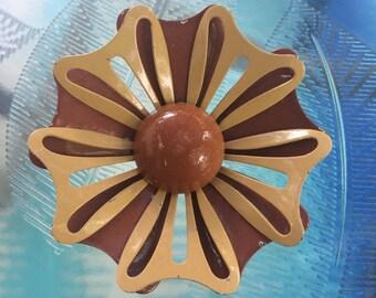 1960s Brown Daisy Enamel Flower Power Brooch