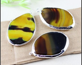 3pcs Nature Druzy Agate Slice Gemstone Pendant in Natural Color,Silver Tone Crystal Agate Drusy Gemstone Pendant Jewelry Findings