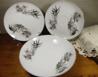 Vintage Kutani China - Hand Painted - Shallow Bowl and Small Plates (2)