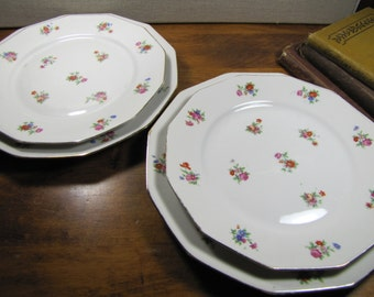 Vintage Marque Deposee - L.T. - France - Set of Four (4) Twelve-Sided Plates - Two (2) Sizes