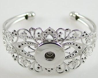 Get Snappy! Cuff Bracelet
