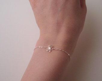 Sterling silver daisy bracelet; silver flower bracelet; dainty silver charm bracelet; simple and elegant sterling silver bracelet
