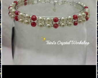 "Bracelet in ""Precious"" pearls, crystals and seed beads"