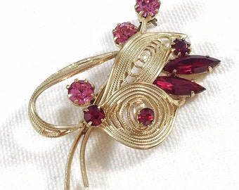 Red and pink flower rhinestone brooch, gold wire flower pin, coat pin, vintage brooch, vintage rhinestone pin, 1950s vintage brooch