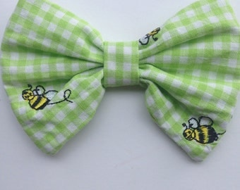 Green Gingham Bee Bow