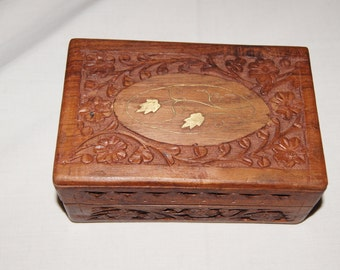 Vintage 1960's - Wooden Floral Jewelry Box