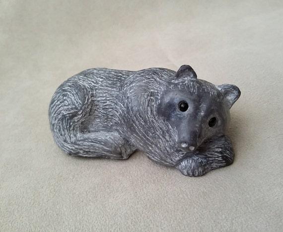 Soapstone thinking wolf figurine vintage inuit native