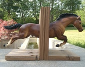 Jumping horse bookends. Upycled horse bookends with reclaimed wood. Handmade horse bookends. Great gift for horse lovers.